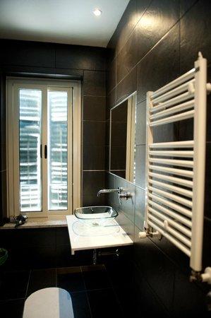 Via Florio B&B: bagno suite