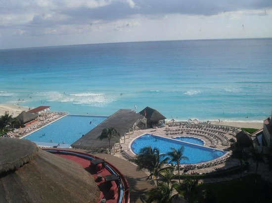 Crown Paradise Club Cancun : room view