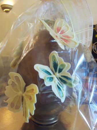 Caramiche Chocolaterie: Butterfly Easter egg