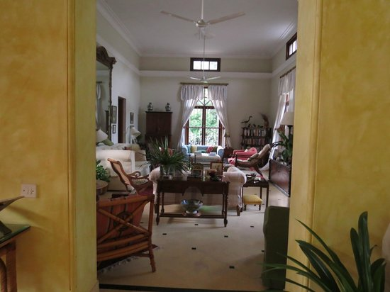 Tikli Bottom: Drawing room