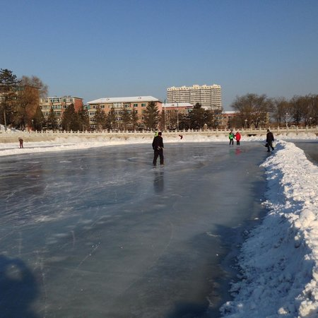 Liaoyang White Tower Park: The shinny pad or hockey rink