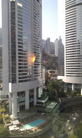 JW Marriott Hotel Hong Kong : Concrete jungle
