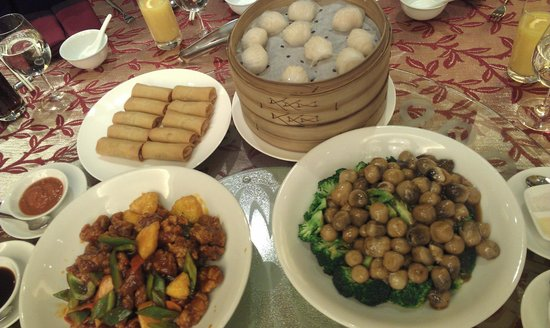 JW Marriott Hotel Hong Kong : Just some of the dishes at dinner in the conference room