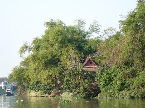 Ayutthaya Ruins : Cabane en bord de rivière