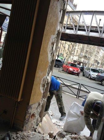 Hotel Eiffel Segur: View