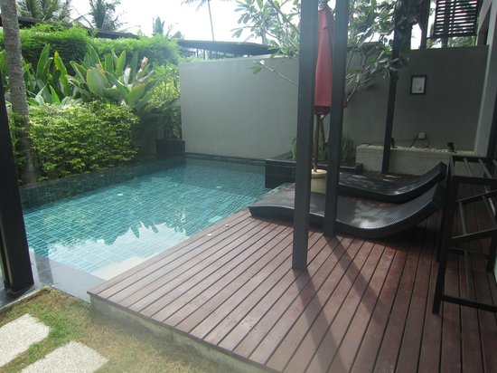 Ramada Khao Lak Resort: Pool and deck chairs