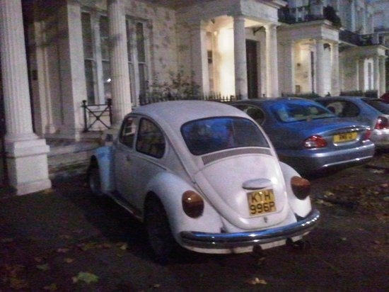 Equity Point London Hotel : Cool Beetle outside.