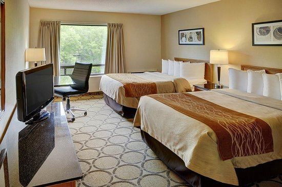 Comfort Inn Boucherville : Guest room for Families or Groups