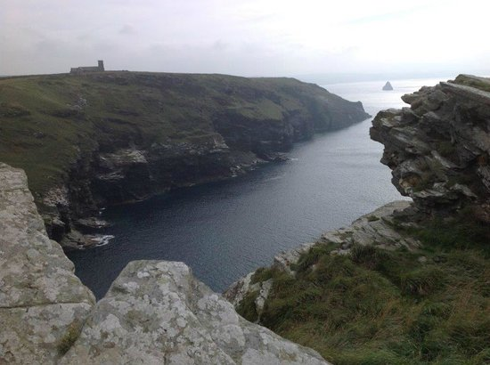 Tintagel Castle and its magnificent cliffs in Cornwall