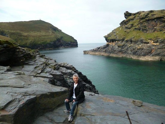 Boscastle Visitors Centre: Boscastle channel and beautiful rock formations