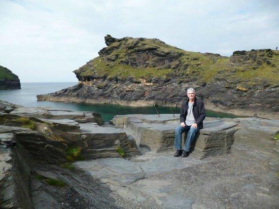 Boscastle Visitors Centre: The sea and cliffs in Boscastle