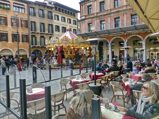 Hotel Continental: Main square Treviso