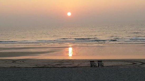 Prakruti Resort : Serene sunset
