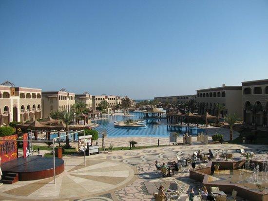 SENTIDO Mamlouk Palace Resort : территория