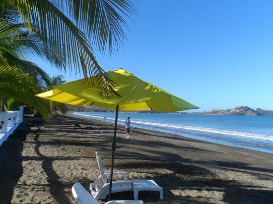 Bahia del Sol Beach Front Boutique Hotel: Beach