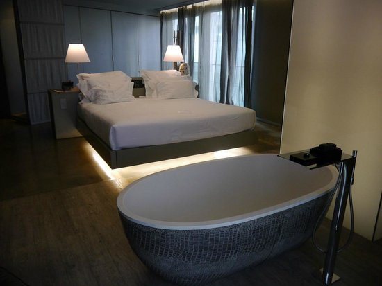 The Vine Hotel : Luxurious bath