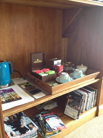 Claremont House : Selection of teas and coffee in your room