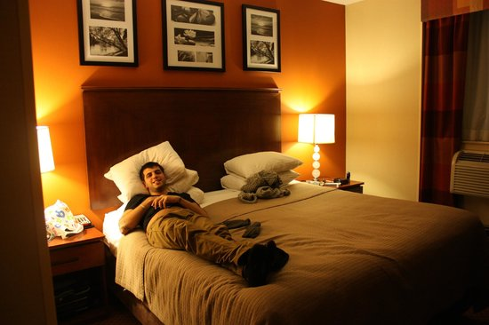 Sleep Inn - Long Island City: Mi chico.