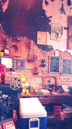 Junk Cafe