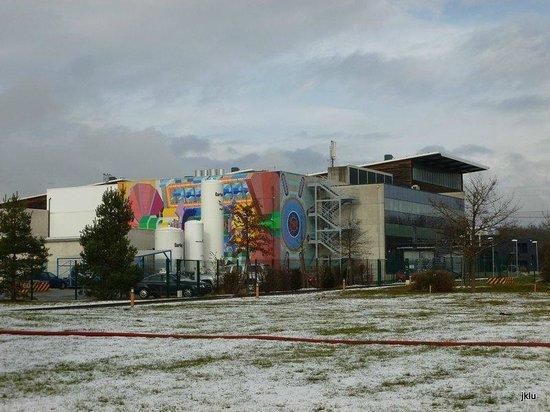 CERN Univers de particules: The ATLAS detector building
