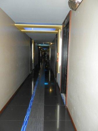 MeStyle Place : коридор