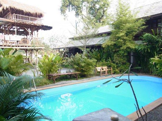 TR Residence: pool