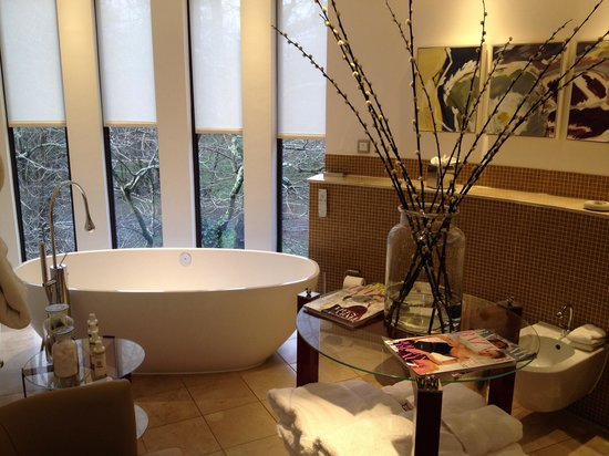 Chewton Glen Hotel U0026 Spa: Treehouse Suite, Fabulously Sized Bathroom With  Underfloor Heating And