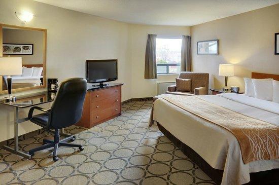 Comfort Inn Drummondville : Large King Room