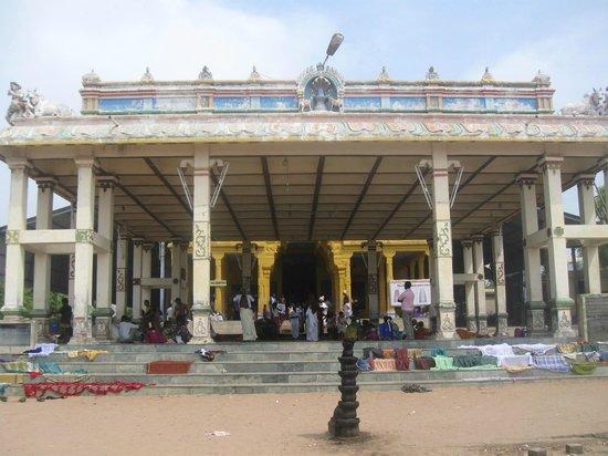 Tirunelveli, India: suyambulinga swamy temple front view