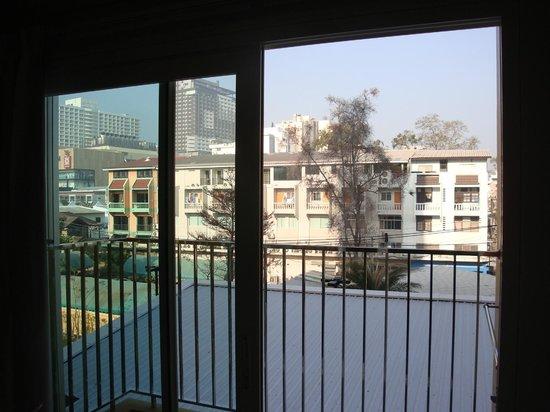 Bella Express Hotel: Вид с балкона