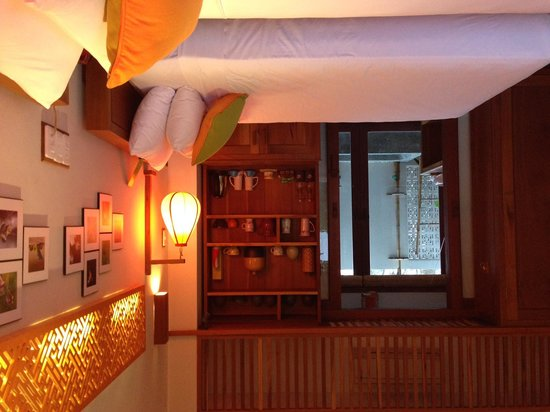 Hoi An Chic Hotel: Room with two single beds