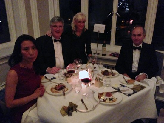 Trump Turnberry, A Luxury Collection Resort, Scotland : Enjoying our wonderful 5 course Hogmanay Dinner..Yum!