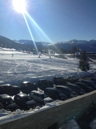 Villaggio Olimpico Sestriere : The View to the lifts from our room