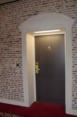 Couvent des Minimes - Alliance Lille : Le couloir menant à la chambre