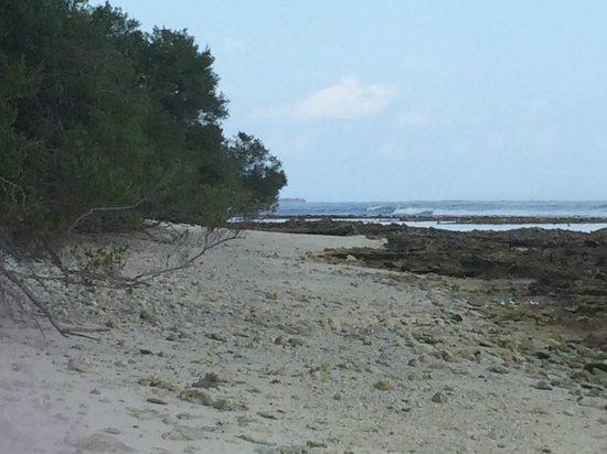 Shangri-La's Villingili Resort and Spa Maldives: poor