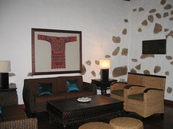 Hotel Boutique & Villas Oasis Casa Vieja: tastefully decorated lounge