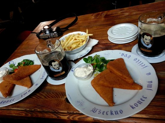 Dačický restaurant : жаренный сыр к пиву
