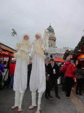Novum Select Hotel Berlin Checkpoint Charlie: Feria navideña
