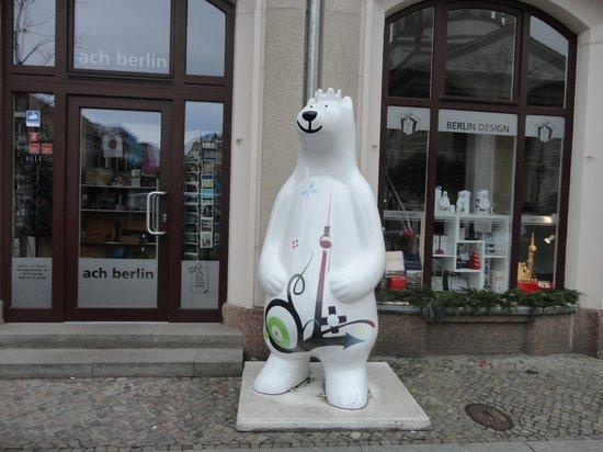 Novum Select Hotel Berlin Checkpoint Charlie: por Centro Potsdamer Platz