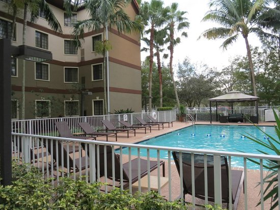 Staybridge Suites Ft. Lauderdale Plantation : Piscina