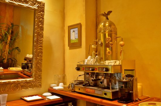 La Terraza de San Juan: Fabulous coffee is served fresh anytime day or night! One of those special touches provided.