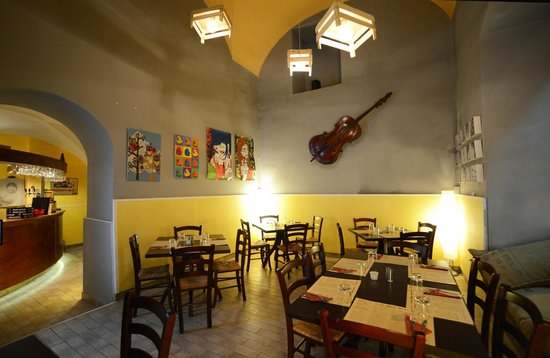 Gisira Pizza and Drinks: Sala