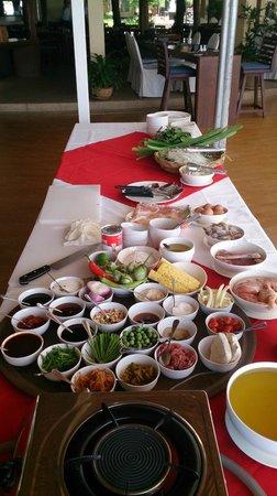 Centara Koh Chang Tropicana Resort: Cooking class school