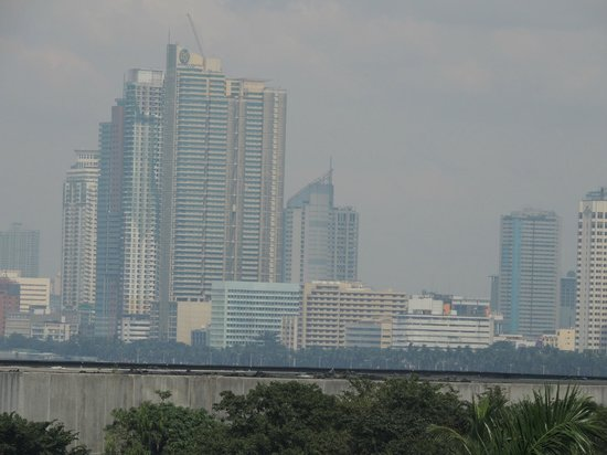 Sofitel Philippine Plaza Manila : View from the Balcony..Pic thansk to my Super Zoom