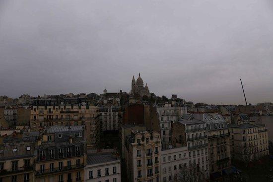 Hotel Carlton's: Basilica del Sacro Cuore di Montmartre dalla terrazza panoramica