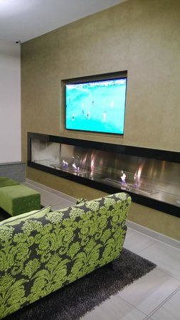 Marc München : Football match and the fireplace