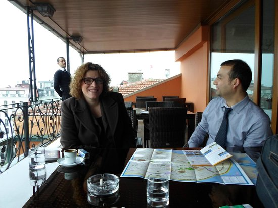 Nena Hotel: Terrace. Sedat showing us what to visit