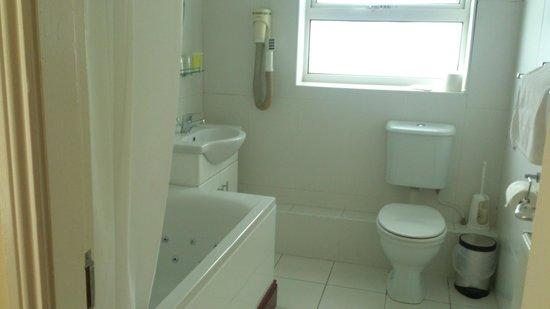 Munster Arms: Newly refurbished bathroom