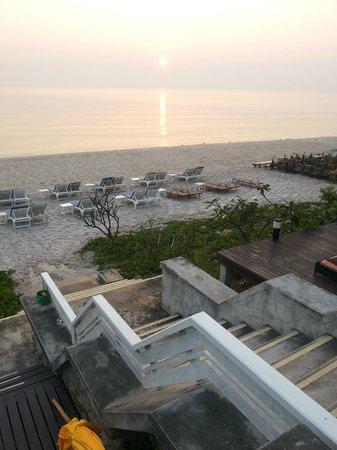 Baan Bayan: Дорога к морю