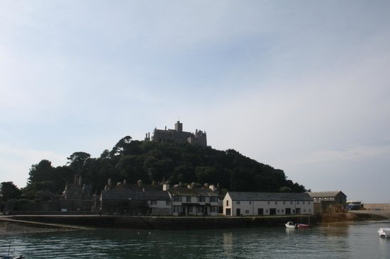 St. Michael's Mount: Approaching in the boat